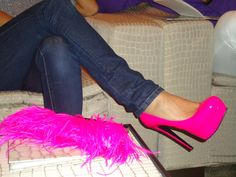 Awesome pink....clutch n them shoes tho xoxox