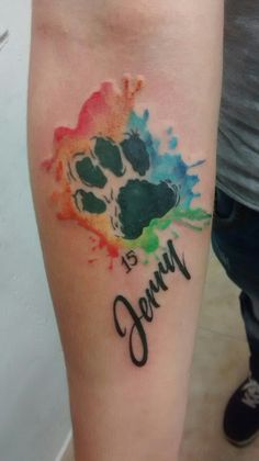 Tatuaje en acuarela en memoria a su cachorro amigo Por Dago Lozafa