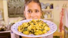Hi I'm Hersha a presenter and film-maker and I love cooking and comedy! I started making Indian food when I realised how rubbish I was at being Indian in gen. Potato Curry, Potato Salad, Macaroni And Cheese, Spinach, Vegetarian Recipes, Cooking, Healthy, Ethnic Recipes, Easy
