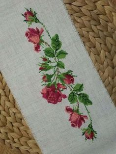 Roses, love old fashioned roses, so beautifully done. Cross Stitch Boards, Cross Stitch Bookmarks, Just Cross Stitch, Cross Stitch Alphabet, Cross Stitch Flowers, Rose Embroidery, Cross Stitch Embroidery, Embroidery Patterns, Cross Stitch Designs