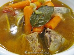 Il bollito e il lesso di carne Italian Lunch, How To Cook Beef, Lunch Menu, Beef Stroganoff, Pot Roast, Meat Recipes, Italian Recipes, Love Food, Food And Drink