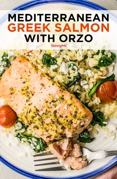 Mediterranean Greek Salmon with Orzo Flavorful herbs, whole grains, heart-healthy fish, and fresh veggies are staples of the Mediterranean diet. Greek Salmon with Orzo lets you have them all! Orzo Recipes, Salmon Recipes, Seafood Recipes, Salmon And Orzo Recipe, Vegetable Recipes, Clean Eating Recipes, Clean Eating Snacks, Healthy Eating, Heart Healthy Recipes