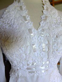 Vintage wedding dress 1970 fairie camelot rennaissance lace by RetroVintageWeddings on Etsy https://www.etsy.com/listing/197942705/vintage-wedding-dress-1970-fairie