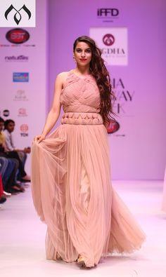 #irw #indianrunwayweek #hyderabaddesigner #coutureindia #western #indowestern #indiancouture Contact Details:040-65550855/9949047889 Watsapp:8142029190/9010906544 Email-id:Mugdha410@gmail.com Instagram:MugdhaArtStudio