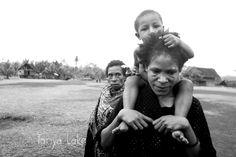 Images of Papua New Guinea Papua New Guinea, Storytelling, Australia, Couple Photos, Couples, Photography, Travel, Image, Couple Shots