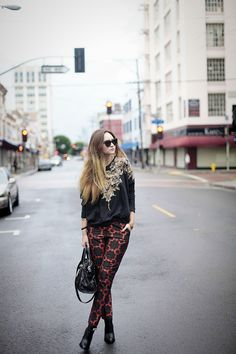pants-Asos, sweater-Zara, shoes- Elzabeth and James, bag-c/o Milly, necklaces- c/o Vanessa Mooney, watch-c/o Kenneth Cole, sunglasses-Karen Walker