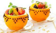 Fruchtsalat in duftenden Orangen.