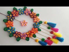 DIY Wall Hanging Out Of Wool / Wool Flower Making / Home Decoration Idea Hello friends make this unique and easy beautiful flowers out of wool and decorate your home.This is best out of waste wool craft idea in form of wall hanging. Art N Craft, Craft Work, Yarn Crafts, Diy And Crafts, Woolen Craft, Wall Hanging Crafts, Flower Making, Diy Flower, Flower Decorations