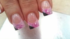 Peek a boo black french tips with pink