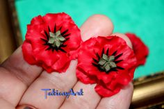 2 pcs Red Poppies  Chabochon  Handmade Polymer clay Flower Poppy Jewelry Supplyes Unlimited quantities. Code:073 di FlowerClaySupplies su Etsy