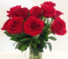 Read This Before You Order Mom a Dozen Roses