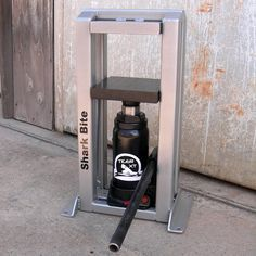 HYDRAULIC PRESS Tiger XT model by Shark Bite Affordable hydraulic press for metal smiths and jewelers