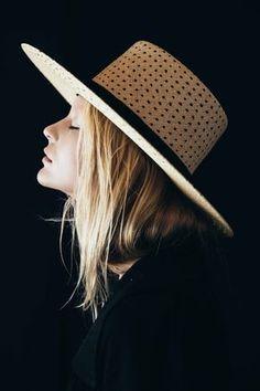 Janessa Leoné | The Maxime