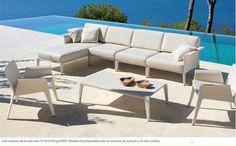 """Sofá modular de la colección """"U"""" de la firma POINT. También hay disponible sofá no modular de 2 plazas, y en más colores."""
