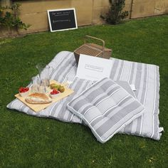 #SummerEntertaining with The White Company | Shopping from the US? -> http://us.thewhitecompany.com/Home-and-Bath/c/Outdoor%20Living. Shopping from the UK? -> http://www.thewhitecompany.com/home/home-accessories/outdoor-living/
