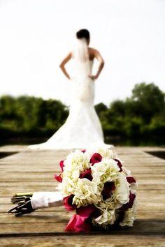 Bridal Portrait Ideas | WedPics - The #1 Wedding App