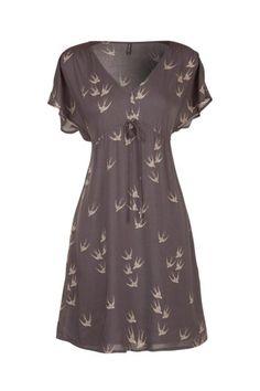Print bird dress / Robe imprimés oiseaux.   Too bad France doesn't ship to the US...