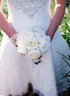 Pure White Wedding Bouquet ~ Photography by wendylaurel.com