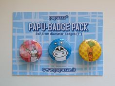 Colorful and cheerful badges for your summer!!! Choose papuzze!!!  Papu-badge pack:  3 badges 2,5 cm diameter (1'')  Made with love!    PS: you can choose 1 badge too (1 badge= 2,00€)