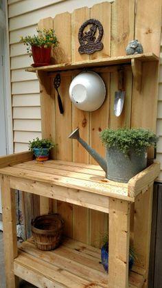 My potting table - Modern Garden Yard Ideas, Backyard Projects, Diy Wood Projects, Backyard Patio, Garden Projects, Backyard Landscaping, Outdoor Potting Bench, Potting Bench Plans, Potting Tables