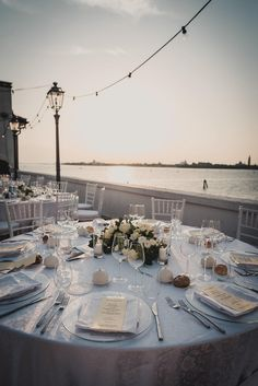 Neutral colours, a travel-inspired theme and the spectacular Venice skyline at sunset created the romantic mood for this celebration. Wedding Day Wishes, Romantic Mood, Vintage Beauty, Neutral Colors, Perfect Wedding, Venice, Real Weddings, Wedding Reception, Wedding Decorations