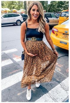 Casual Maternity Outfits, Maternity Fashion Dresses, Stylish Maternity, Maternity Wear, Dress Outfits, Casual Summer Dresses, Summer Outfits, Spring Dresses, Winter Pregnancy Outfits