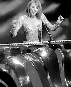 Enchanted/Wildest Dreams - 1989 Tour Montreal - July 7th 2015