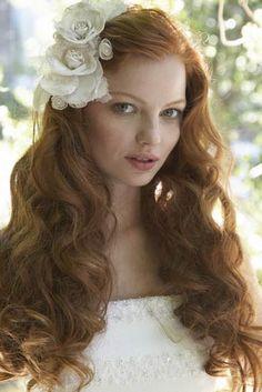 Risultato della ricerca immagini di Google per http://jollybride.com/wp-content/uploads/2011/02/bride-hairstyle-21.jpg