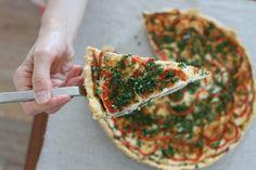 Easy quiche recipe with serrano ham, zucchini and ricotta cheeese.