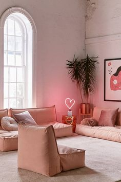 49 Charming Pink Living Room Design Ideas For Your Daughter - There are so many living room design ideas out there that it can be really hard to decide on the right direction to go. Home décor magazines offer ple. Living Room Seating, Living Room Chairs, Living Room Decor, Dining Room, Bedroom Chair, Bedroom Decor, Decorating Bedrooms, Home Modern, Floor Seating