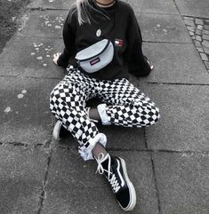 - 51 Casual Skater Girl Outfit # Skater Girl Outfits casual Girl outfit Skater SkaterGirlOutfitsEmo SkaterGirlOutfitsVans Source by ozlefrend - Outfits Hipster, Edgy Outfits, Retro Outfits, Grunge Outfits, Tumblr Outfits, Vintage Outfits, Fashion Outfits, Converse Outfits, Party Outfits
