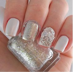 From makeup, hairstyle and manicure until all details are important, so we have selected for you some gel nail designs for wedding day, so add extra elegance that will display hand wedding ring. Classic is always in fashion.