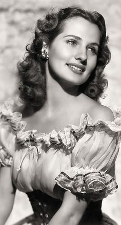 Brenda Marshall ★ Gallery of Vintage Movie Star P!nups: pin up girl Brenda Marshall; Copyright free pubic domain photographs, vintage pictures of this beautiful WWII Pinup / Hollywood Movie Actress as well a short Brenda Marshal Pin Up Vintage, Vintage Movie Stars, Classic Movie Stars, Vintage Movies, Vintage Hollywood, Old Hollywood Glamour, Classic Hollywood, Hollywood Stars, Golden Age Of Hollywood