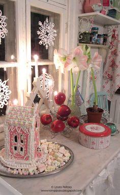 Christmas in the kitchen, gingerbread house Romppala - kotoilua ja puutarhanhoitoa: Joulukeittiössä tuoksuu...