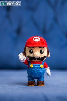"""Crochet Pattern of Mario from """"Super Mario Bros."""" (Amigurumi tutorial PDF file) #ad #nes"""