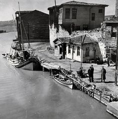 Site for the Nicholas V. Artamonoff Collection at the Image Collections and Fieldwork Archives (ICFA) of Dumbarton Oaks Canoe Pictures, Old Pictures, Old Photos, Istanbul Pictures, Amazing India, Historical Pictures, Old City, Best Cities, Antalya