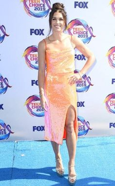 Teen Choice Awards 2019 Red Carpet Fashion: See Every Look as the Stars Arrive Sky Brown, Candace Cameron Bure, Song Of Style, Teen Choice Awards, Prabal Gurung, Red Carpet Fashion, Alex Morgan, Celebrity Style, Celebs