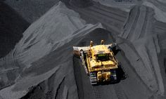 Queensland Labor commits itself to the state's coal industry, but says new projects need to 'stack up environmentally' http://www.theguardian.com/world/2015/jan/09/queensland-election-2015-labor-support-coal-despite-climate-warning?CMP=share_btn_fb