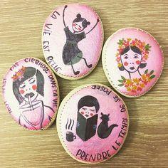 My painted pebbles ❤️#pebble #galet #paintedpebbles #art #illustration #christmasgift #cadeaudenoel #pink #handmade #handmadegift #spreadthelove #handcraft #craft #painting #peinture