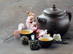 38931016-tea-set-teapot-cups-and-different-green-tea.jpg (450×333)