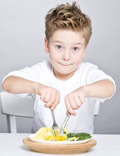8 year old Leo's fave meal to make: Potatoes, creamed spinach & fried eggs. The kids know what's up. From Sweet Paul Magazine. Little Boy Hairstyles, Cute Hairstyles, Kids Cuts, Boy Cuts, Boys Haircut Styles, Cowlick, Sweet Paul, Little Boy Fashion, Hair Dos