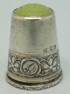 Scandinavia. Silver and Green Stone on the Top. 830. Mark: SH. Thimble-Dedal-Fingerhut.