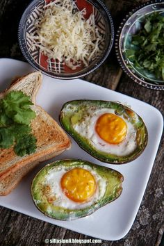 Kananmuna-Avokadot / Egg-Avocados by Sillä Sipuli Avocado Egg, Home Recipes, Cooking Tips, Tapas, Clean Eating, Food And Drink, Eggs, Yummy Food, Breakfast