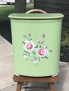 Vintage Mid Century Pearl Wick Pearlwick Basket Hamper Laundry Metal Floral  | eBay Vintage Type, Vintage Metal, Laundry Hamper, Laundry Room, Wicker Hamper, I Cool, Hampers, Vintage Pearls, Wicked