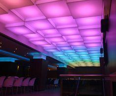 Luminárias Tridimensionais com LED RGB – Boate Symbol Club