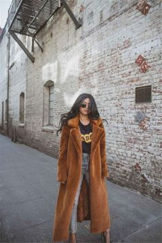 Casual Fall Outfits, Winter Outfits, Fur Coat Outfit, Long Faux Fur Coat, Long Brown Coat, Brown Faux Fur Coat, Faux Fur Jacket, Looks Street Style, Outfit Trends