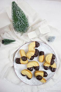 Weihnachtliches Spritzgebäck, das herrlich mürbe ist, nach einem Rezept von Sweets and Lifestyle Sweet Life, Biscotti, Muffins, Waffles, Diy And Crafts, Sugar, Cookies, Breakfast, Desserts