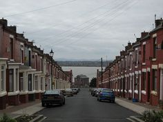 Bread , the show was filmed on Elswick St. Aigburth , Liverpool