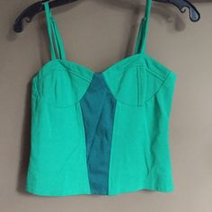 Urban outfitters crop top Teal and green crop top! Size medium! Worn twice. Super cute! Urban Outfitters Tops Crop Tops