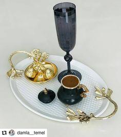 """112 Beğenme, 0 Yorum - Instagram'da KaHvE'Li GüNLeR 💕 (@kahve_nur): """"#Repost @damla__temel • • • • . . #kahve #kahvesunumları #kahvefincanı #kahvesunumu #kahveaşkı…"""" Coffee Maker, Kitchen Appliances, Instagram, Coffee Maker Machine, Diy Kitchen Appliances, Coffee Percolator, Home Appliances, Coffeemaker, Domestic Appliances"""